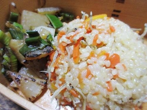 IMG_0470C_cooking_takikomigohan.JPG