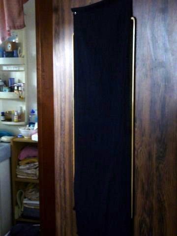 P1140727door_curtain.JPG